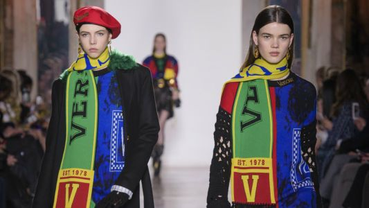 Versace Returns to the Nostalgia Well for Fall 2018