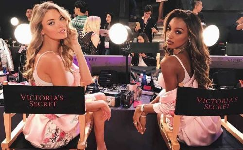 Victoria's Secret Show stumbles across the line in China