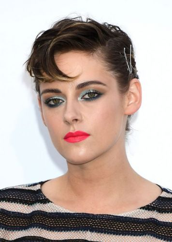 Kristen Stewart's Bobby Pin Hairstyle Needs to Be Seen From All Angles