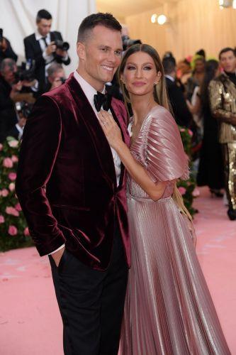 Tom Brady Exchanges Sweet Messages With Gisele Bundchen on Their Anniversary: 'Love of My Life'