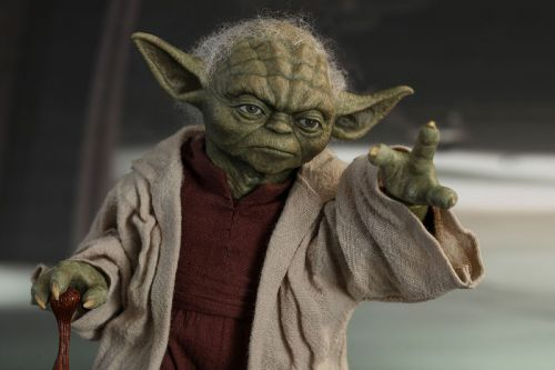 Hot Toys' Hyperrealistic Yoda Figure is Up For Pre-Order