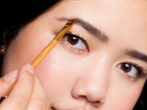 The Terrifying Reason A Brow Gel Made This Woman's Eyebrows Fall Off