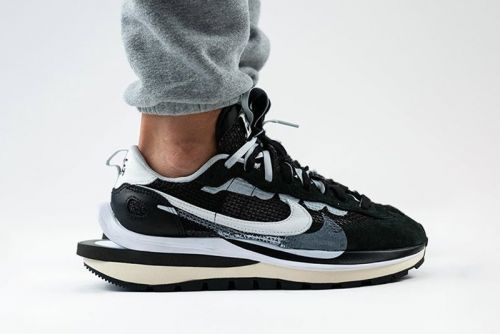"Here Is sacai's Nike Pegasus Vaporfly SP ""Black/Summit White/Pure Platinum"" on Foot"