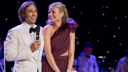 Gwyneth Paltrow Is 'Definitely In The Hamptons' For Her Weekend Wedding To Brad Falchuk