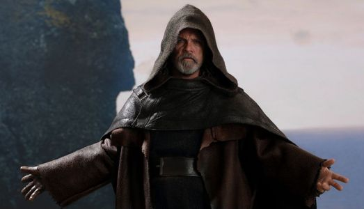Hot Toys Reveals Detailed Luke Skywalker from 'Star Wars: The Last Jedi'