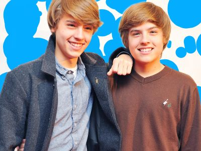 A Very Un-Scientific Guide to Telling The Sprouse Twins Apart, Because They're Back