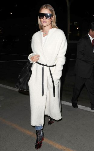 So Rosie Huntington-Whiteley Basically Wore a Robe to the Airport