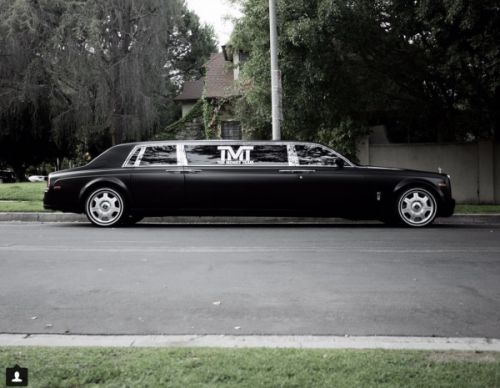 Floyd Mayweather Expands his Lineup With a Phantom Limo