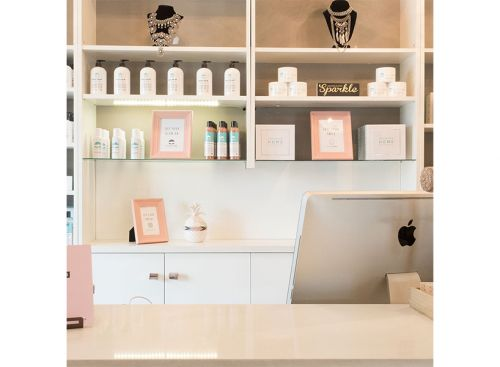 The Best Places to Get a Spray Tan in Edmonton