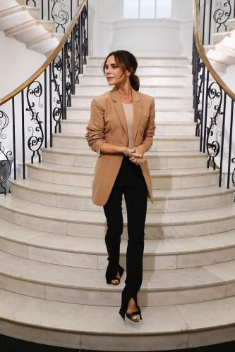 Every Girl in London Is Wearing This Timeless Blazer Trend