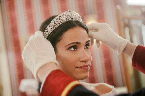 Lifetime's new Meghan Markle dishes on 'Becoming Royal'