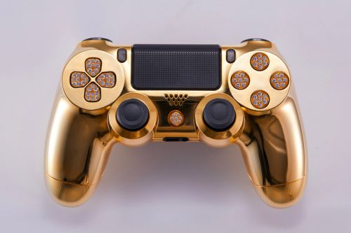 This Gold-Plated, Diamond-Encrusted PS4 Controller Costs $14,000 USD
