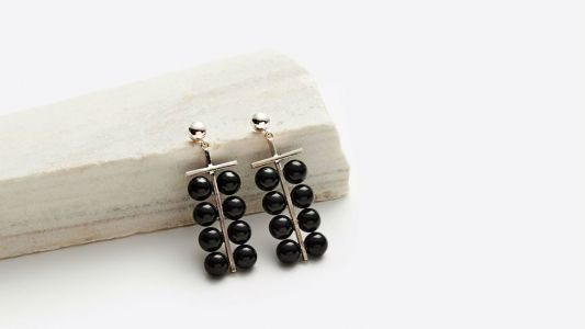 19 Pieces of Onyx Jewelry With Which to Tastefully Express Your Inner Goth