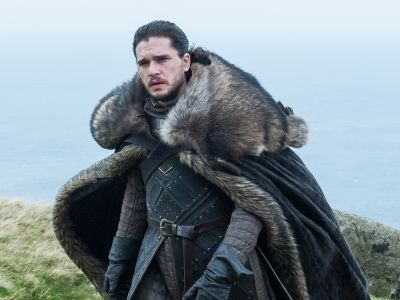 So This Is Why Jon Snow Never Wears A Hat On Game Of Thrones