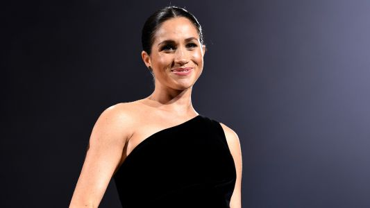Pregnant Meghan Markle Is Totally Glowing At The 2018 British Fashion Awards