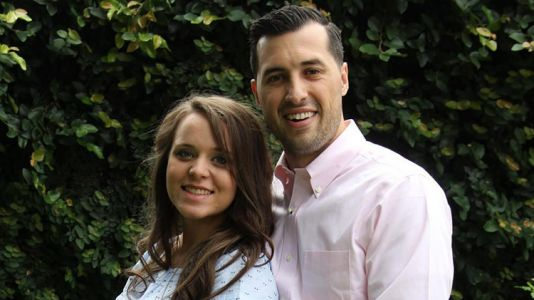 Mom-To-Be Jinger Duggar Rocked Pants on Her Babymoon With Jeremy Vuolo