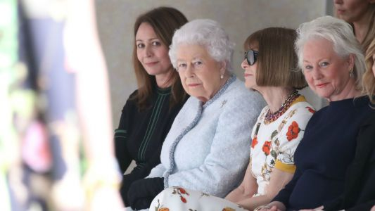 Queen Elizabeth and Anna Wintour Sat Next to Each Other at London Fashion Week