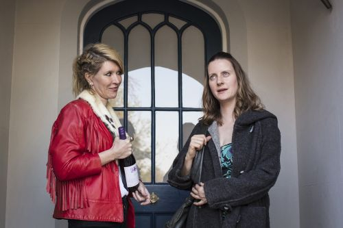 Why comedian Julia Davis jokes about cancer