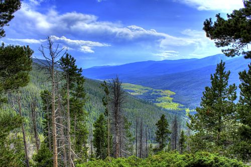 Why Colorado is a great destination for short getaways?