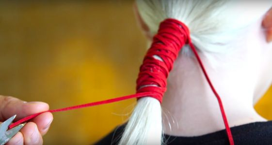 Watch Celeb Hairstylist Chris Appleton Use Ribbon For the Least Boring Ponytail Ever