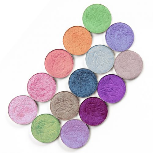 30 Eyeshadow Combinations for a Taste of Winter