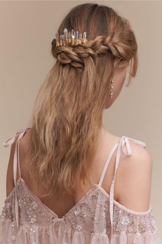 10 Trending Hair Accessories for the Fashion-Forward Bride