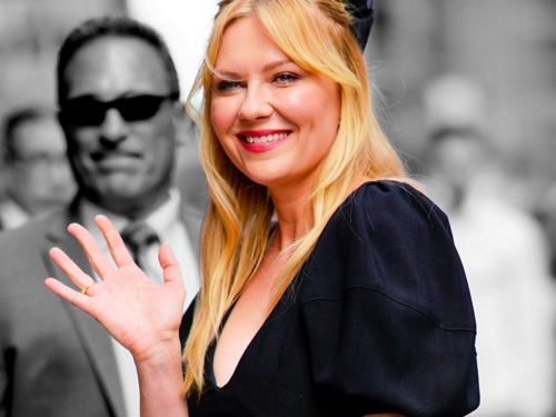 Kirsten Dunst Is Making A Case For Curtain Bangs This Fall