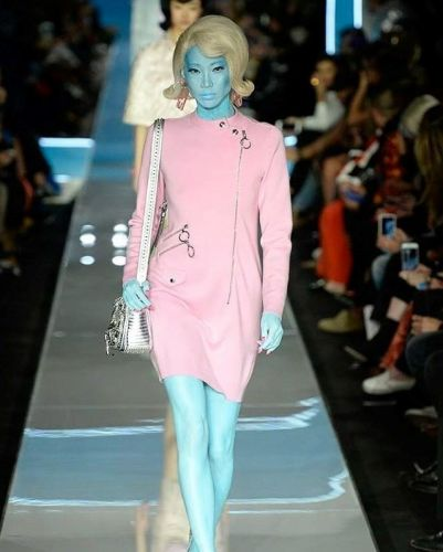 Jeremy Scott shows alien Jackie Os at Moschino AW18