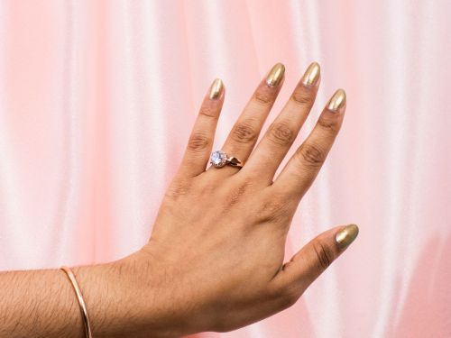 """Why You Should Think Twice Before Getting An """"Engagement Piercing"""""""