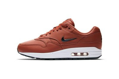 Nike Dresses the Air Max 1 Jewel in 'Dusty Peach' Leather