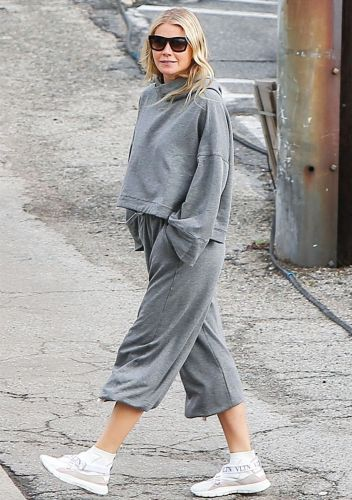 Gwyneth Paltrow Made Sweatpants and Sneakers Looks So Cool It's Actually Unfair
