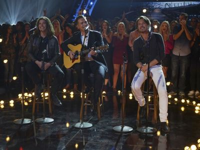 Grown-Up Hanson Drops Amazing Acoustic 'MMMBop' Cover