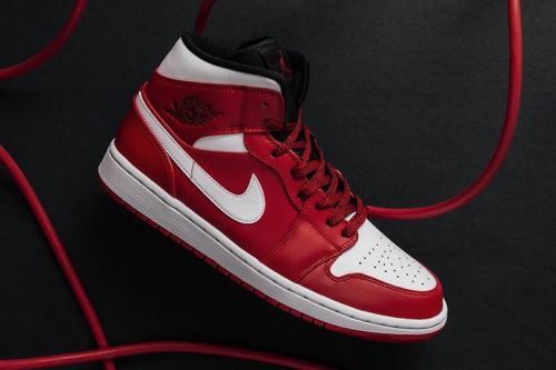 "A Closer Look at the Air Jordan 1 Mid ""Gym Red"""
