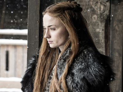 Did You Notice The Hidden Meaning Of Sansa's Necklace On GOT?