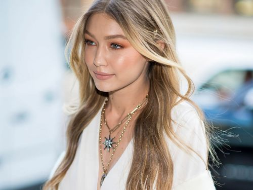 How To Get The Beachy Waves Of Your Dreams - On Every Hair Type