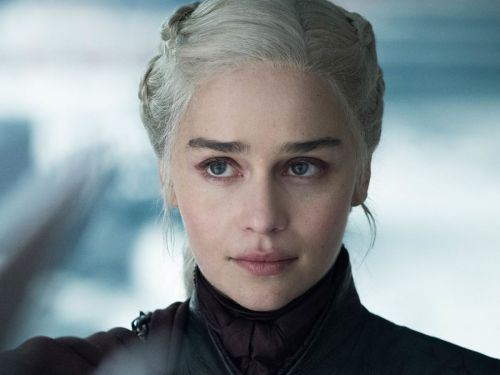 A Starbucks Cup, 2 Water Bottles & Dany's Style - All The Things That GoT Got Wrong In The End