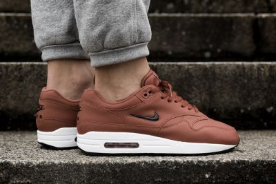 An On-Feet Look at the Nike Air Max 1 Jewel 'Dusty Peach'