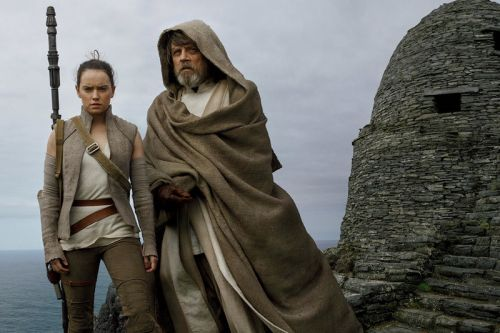 'Star Wars' Fans Campaign to Remake 'The Last Jedi'