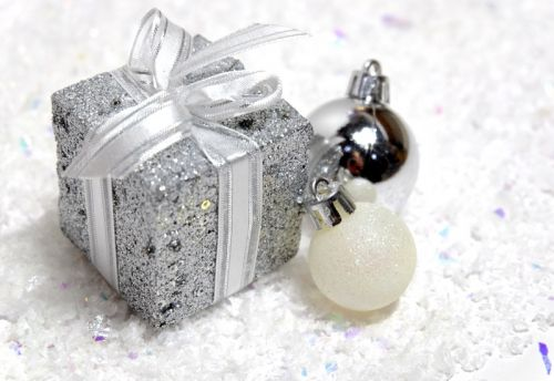 The BEST Last Minute Holiday Gifts for Her!