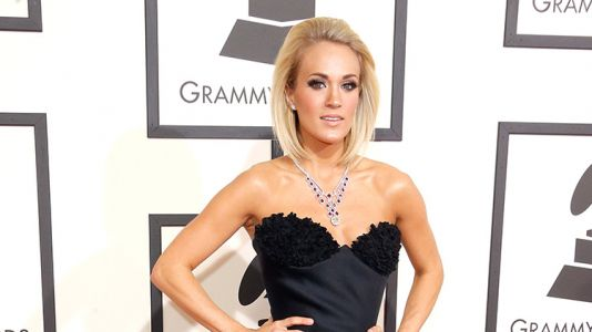 """Insiders Reveal Carrie Underwood """"Hates Looking in the Mirror"""" After Her Nasty Fall"""