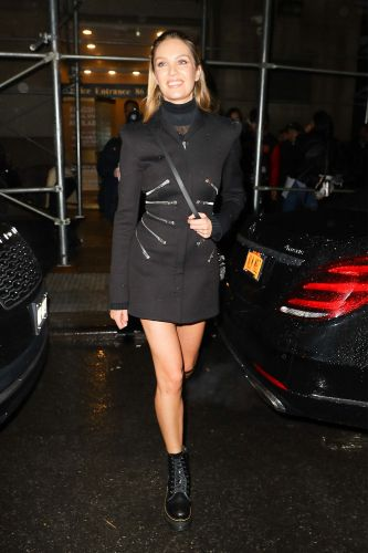 Candice Swanepoel Wore NYC's Most Popular Affordable Boots to the Versace Show