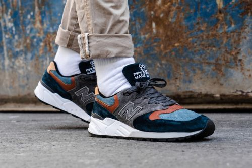 """New Balance 999 Cozies Up for Fall in """"Blue/Grey"""""""