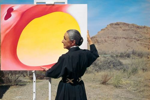 Georgia O'Keeffe's Timeless Style & Iconic Paintings Spotlighted in Nevada Exhibition