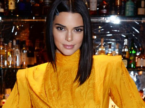 Kendall Jenner Opens Up About Her Acne For 10-Year Instagram Challenge