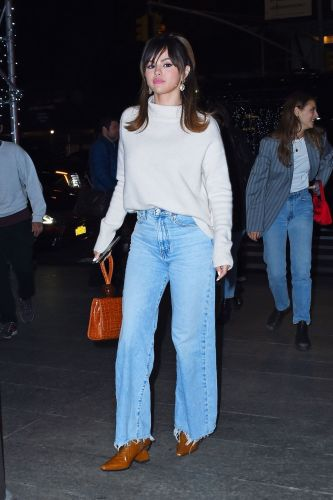 This Chic New Denim Trend Is a Stark Contrast to Skinny Jeans