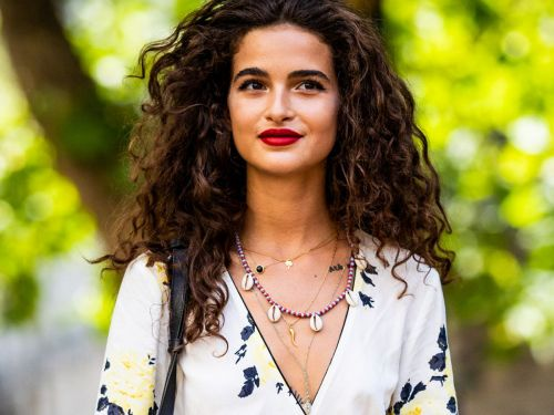 5 Flattering Summer Haircuts To Try If You Have A Lot Of Hair