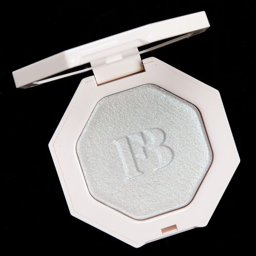 Fenty Beauty Chillz Killawatt Freestyle Highlighter Review & Swatches