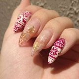 22 Ugly-Sweater Holiday Nail Art Ideas