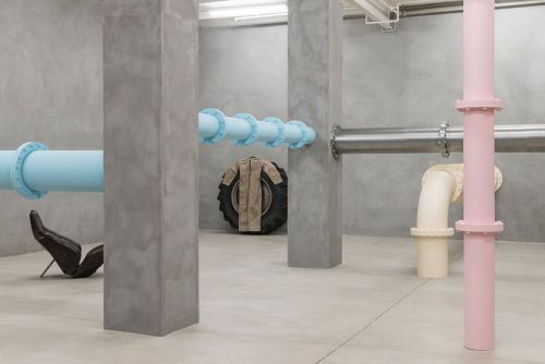 """Elmgreen & Dragset Comment on the Human Body in """"It's Not What You Think"""" Exhibition"""