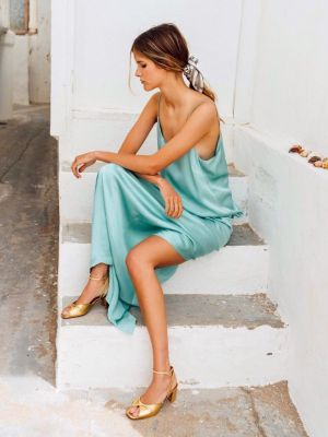 9 Chic Dresses for Every Summer Wedding Invite